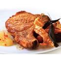 Vepřový steak špikovaný zrajícím salámem na zelených fazolkách se slaninou